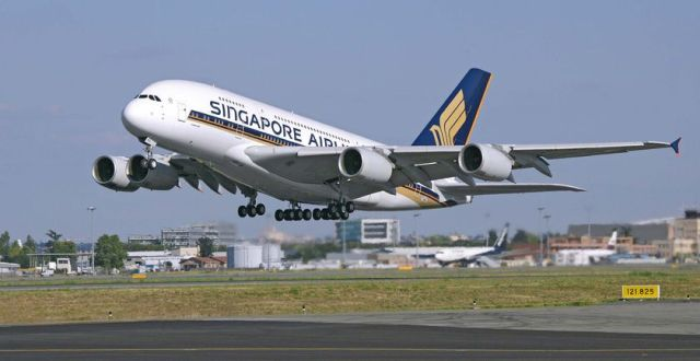 Pesawat Airbus A380 Singapore Airlines